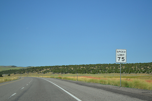 Utah 75 MPH speed limit sign