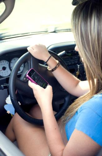 Distracted driver. Image courtesy US Centers for Disease Control and Prevention