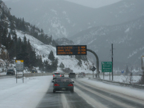 Governor Approves Study on Effectiveness of Snow Tires, Chains