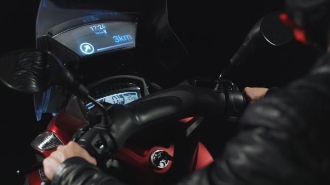 yamaha-samsung-smart-windshield