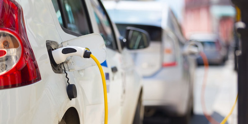 Auto Accidents and Demand for Oil Could Be Reduced by Electric Cars