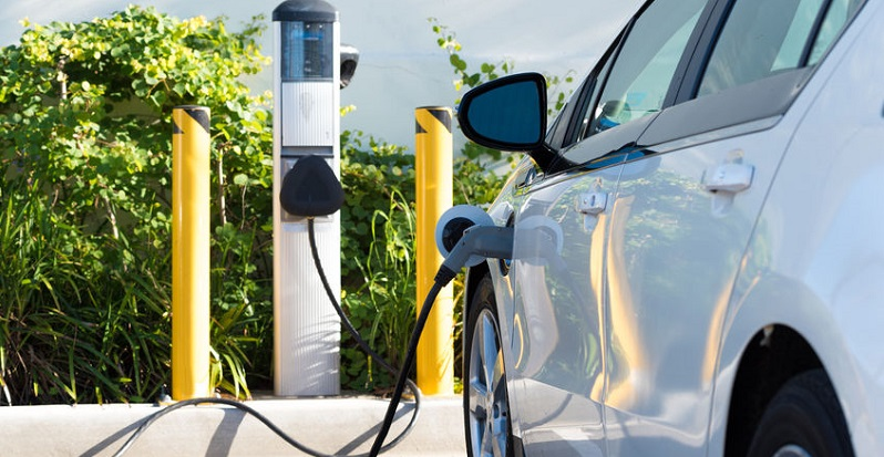 300 Car Chargers May Persuade Denver Buyers to Go Electric